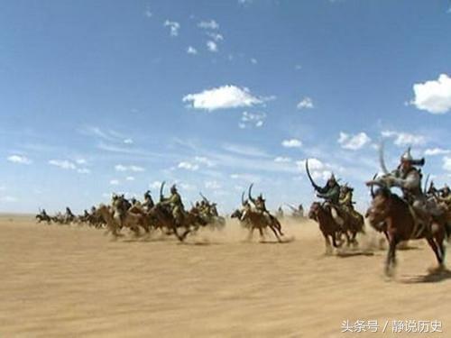 此国以为中国弱 派五万大军挑衅 中国只出动七百人 它流泪跪了