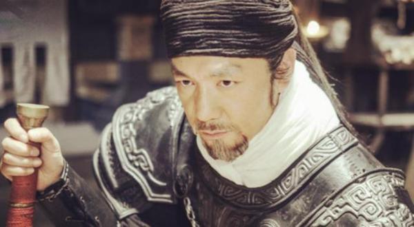 明明白起的作战能力更强 为什么秦襄王还经常把他换掉 改用王龁