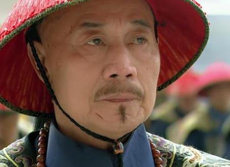 张廷玉身为三朝元老又是有名的权臣 乾隆是如何代付他呢