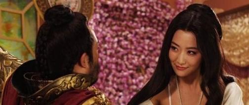 史上唯一将皇帝气的离家出走的皇后 首创1夫1妻 她赢遍后宫!