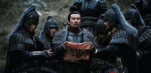刘关张结拜的时候拜的是谁呢