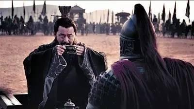 官渡之战中曹操是怎么击败袁绍的