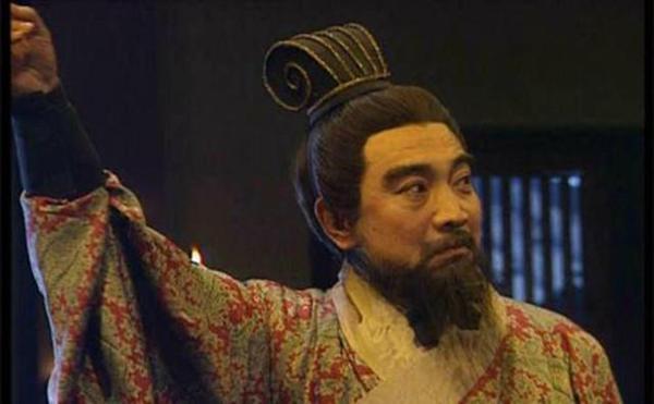 刘协要杀曹操 为什么曹操却把女儿许配给他