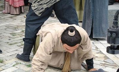 韩信掌权之后 曾逼他受胯下之辱的少年怎样了